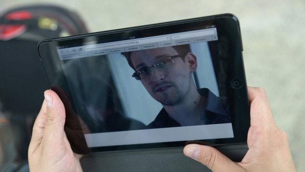Сноуден устроился на работу в России
