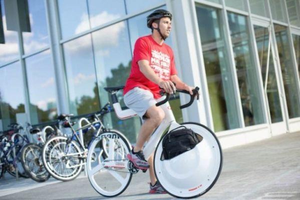 Концепт-велосипед получил сумку в переднем колесе