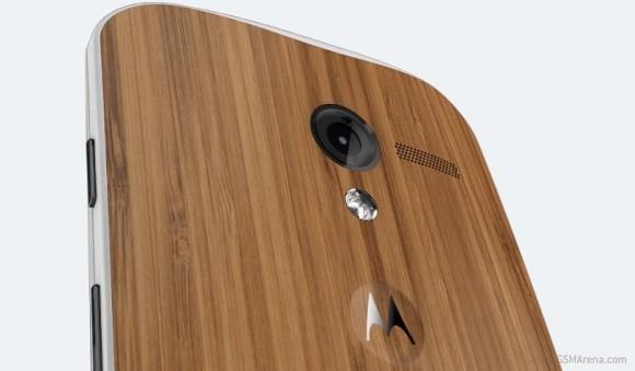 Moto X получил крышку из бамбука