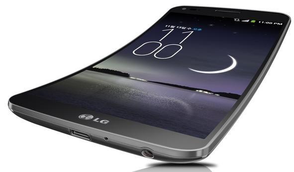 Изогнутый смартфон LG G Flex уже едет в Европу