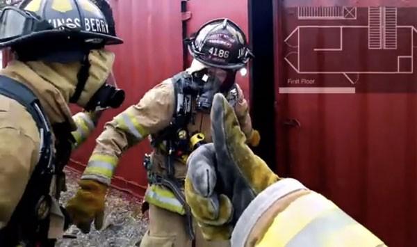 Пожарный разрабатывает профильное приложение для Google Glass
