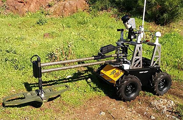 Построен робот с детектором мин