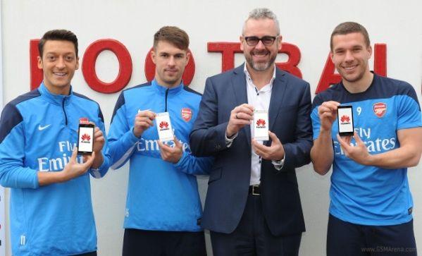 Huawei и футбольный клуб Arsenal подписали контракт
