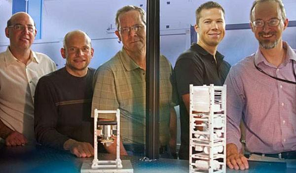 Ученые хотят следить за космическим движением при помощи мини-спутников