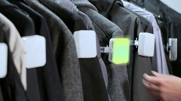 Электронные метки помогут найти одежду в гардеробе