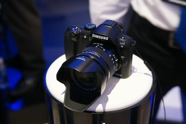 4 фотокамеры, представленные в новом году
