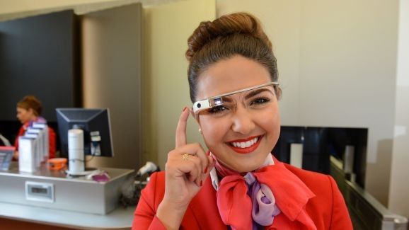 Virgin Atlantic включила очки Google Glass в экипировку сотрудников