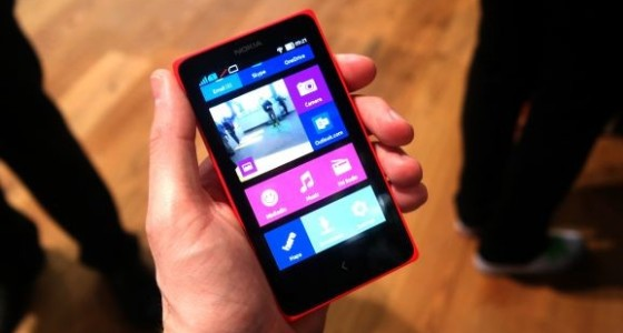 Массовое появление смартфонов с двумя ОС состоится уже в этом году