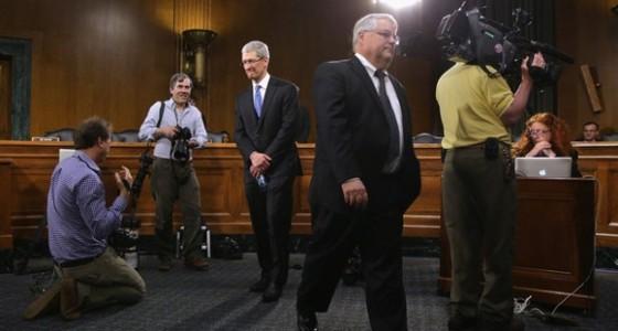 Apple покинул финансовый директор