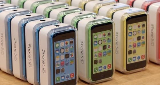 В России спрос на iPhone 5с оказался крайне низким