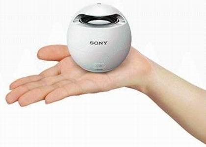 Спикер Sony SRS-X1 с водонепроницаемым корпусом наполнит ванную музыкой