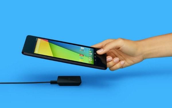 Пять смартфонов с беспроводной зарядкой