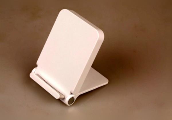 8Пять смартфонов с беспроводной зарядкой