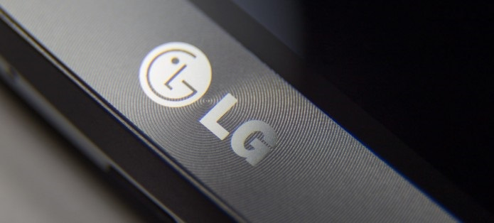 LG M320