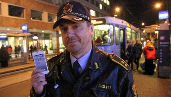 Московским полицейским в метро выдадут смартфоны и планшеты