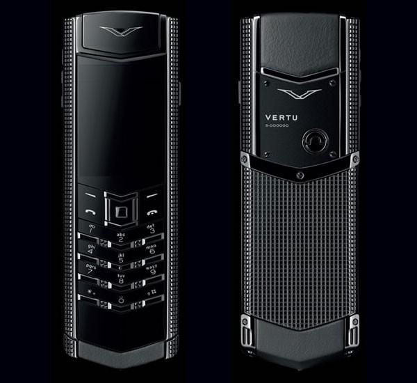 Vertu представила телефон Signature Clous de Paris Black