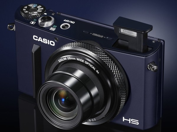 Casio Exilim EX-10 – компактная камера с недюжинными возможностями