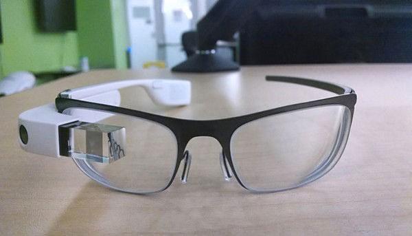 Google Glass замечен на очках с диоптриями