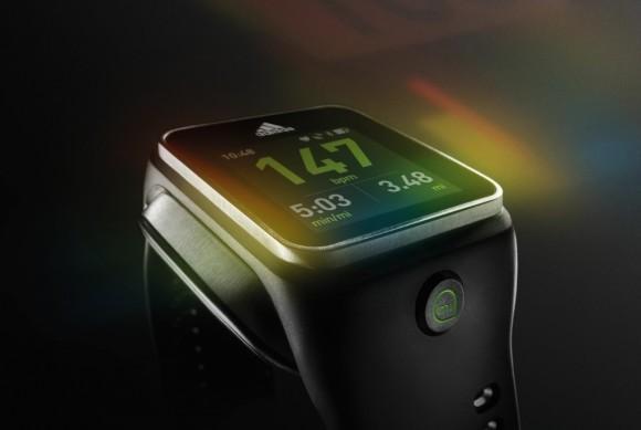Adidas представила умные часы miCoach SMART RUN собственной разработки