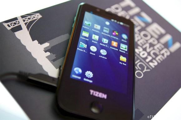 Samsung покажет первый смартфон с Tizen OS на MWC 2014