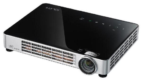 Компактный проектор Vivitek Qumi Q7 для дома и работы