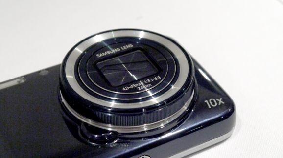 Galaxy S5 Zoom получит огромный дисплей и шестиядерный процессор