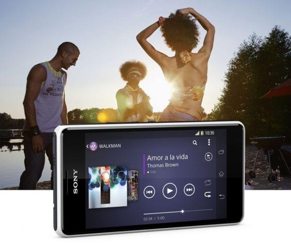 Смартфоны Sony Xperia E1 и Xperia E1 Dual выходят в России