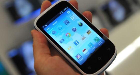 Haier W701: бюджетный смартфон на Android
