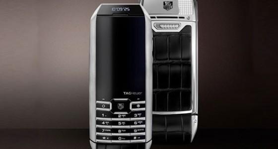 TAG Heuer оснастил телефон «вечным двигателем»