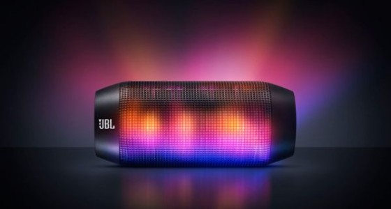 Колонка JBL Pulse покажет цвет музыки