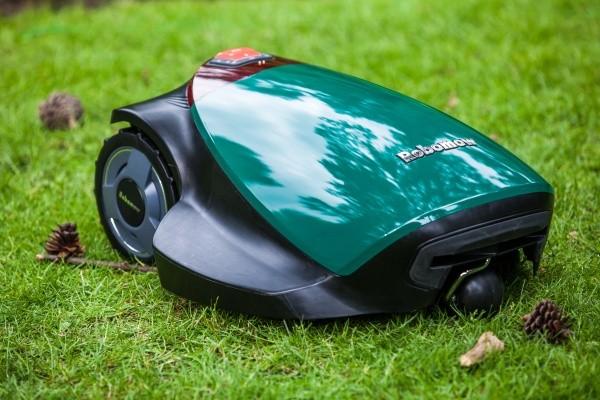 Robomow RC304: газонокосилка, которая все сделает сама