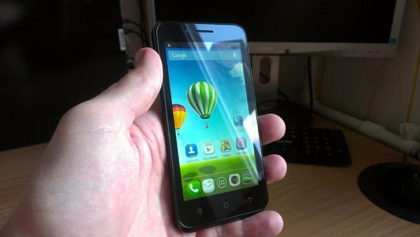 Haier W852: недорогой смартфон с характеристиками флагмана