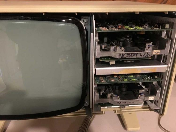 На eBay появился рабочий компьютер Apple Lisa 1