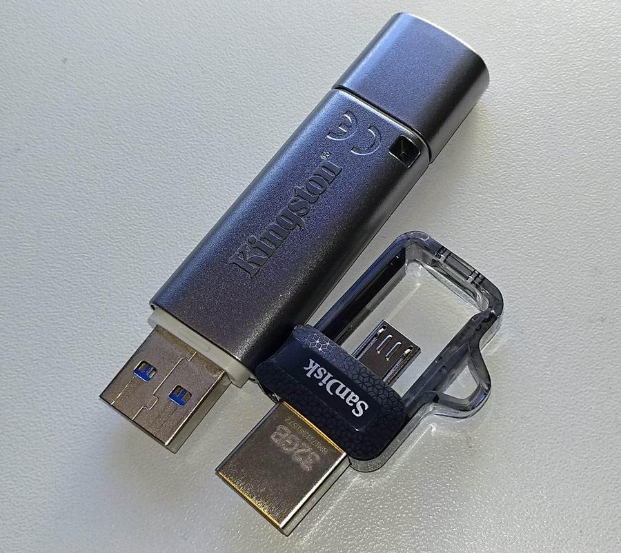 SanDisk Ultra Dual Drive m3.0 32 ГБ